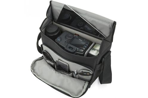 housse pour appareil photo lowepro sacoche pour reflex event messenger 150 1409883. Black Bedroom Furniture Sets. Home Design Ideas