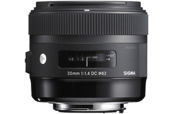 30 F1 4 DC HSM ART Canon