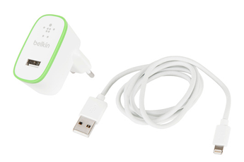 Chargeur / Alimentation SNGLMCR WTH CBL2.4A Belkin