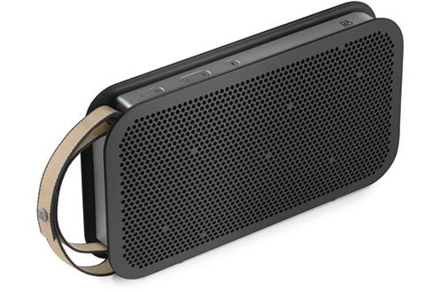 Enceinte portable - Connectivité Bluetooth 4.0 apt-X Puissance 180 Watts - Technologie Son True360 Autonomie jusqu'à 24 heures Entrée auxiliaire 3,5 mm - Port USB-C de recharge