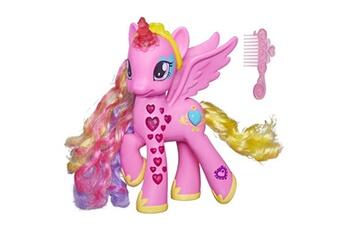 Poupées Hasbro Figurine ?lectronique mon petit poney : princesse cadance coeurs lumineux