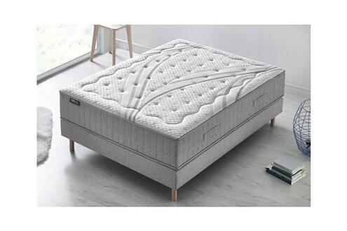 chambre a coucher confortissimo monsieur meuble design de maison design de maison. Black Bedroom Furniture Sets. Home Design Ideas