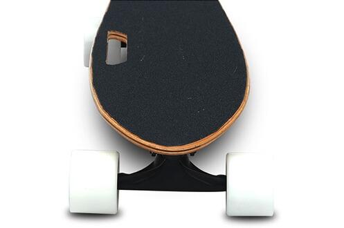 Skateboard Cool&fun 4 roues Skateboard électrique Smart Mini-planche avec télécommande couleur Blanc