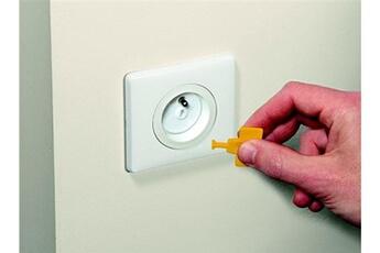 Sécurité intérieure SAFETY 1ST Cache prise avec clef safety 1st - x12