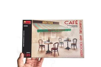 Maquette Mini Art Mobilier et diverses fournitures de café