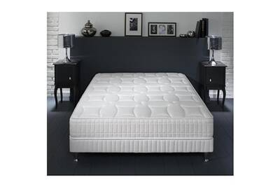 ensemble matelas et sommier simmons ensemble simmons sierra nevada couchage latex sommier pieds. Black Bedroom Furniture Sets. Home Design Ideas