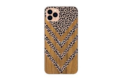 Coque iphone 11 effet bois leopard noir transparente