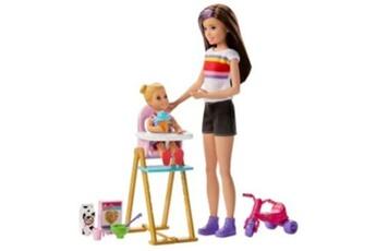 Poupées Barbie Coffret barbie babysitter heure du repas modèle aléatoire