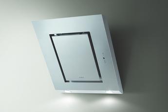 Hotte décorative murale 55 cm Débit d'air max 515 m³/h (maxi) et 647 m³/h (intensive) Puissance acoustique 63 dB (maxi) et 68 dB (intensive) Contrôle de l'écran tactile avec affichage 3V + I