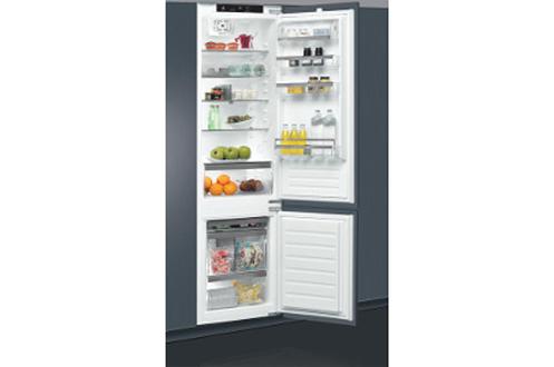 Volume 308 L - Classe A++ (314 kWh/an) Réfrigérateur brassé - Congélateur statique Hauteur 193.5 cm (niche 194 à 195 cm) Fixation de l'habillage sur glissières