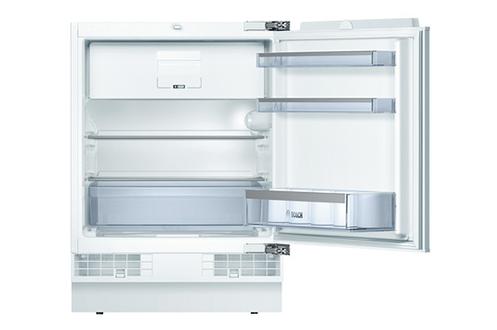 Volume 125 L - Classe A++ (140 kWh/an) Compartiment congélateur à froid statique - 15 L Hauteur 81,8 cm (niche 82 à 87 cm) Fixation de l'habillage sur charnières
