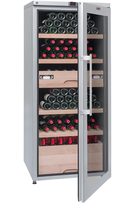 Capacité 265 bouteilles 4 clayettes en bois Dimensions HxLxP : 165x70x71.5 cm Porte traitée anti-UV