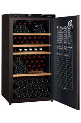 Capacité 196 bouteilles 4 clayettes en bois dont 1 coulissante Dimensions 133x70x71 cm Registre de cave - Classe A+