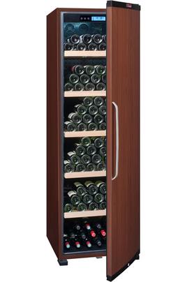 Capacité 236 bouteilles 5 clayettes en bois - Classe A+ Dimensions HxLxP : 185x59.5x71 cm Fonction hiver - Porte pleine