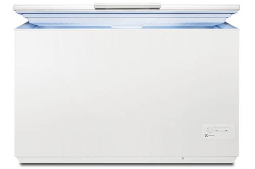 Volume 400 L - Dimensions HxLxP: 86,8x132,5x66,5 cm - A+ Technologie LowFrost (80% de givre en moins) Contrôle électronique - Autonomie 31 h Grande capacité