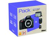 Reflex Nikon D5600 + 18-140mm VR + HOUSSE + CARTE 8GO