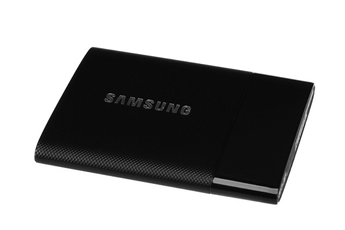 Disque dur SSD 250 Go - USB 3.0 - eSATA Technologie V-NAND et technologie Turbowrite Vitesse de de lecture et écriture : 450 Mb/s Résistance aux chocs et aux vibrations - système de sécurité dernier cri