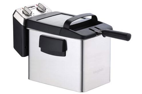 Capacité 4 litres d'huile - Capacité 1,5 kg de frites Thermostat réglable - Minuterie 30 minutes Couvercle filtrant - Entièrement démontable à zone froide Résistance trible boucle - Livre de recettes