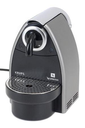 expresso krups nespresso essenza auto titane yy1538 yy1351 darty. Black Bedroom Furniture Sets. Home Design Ideas
