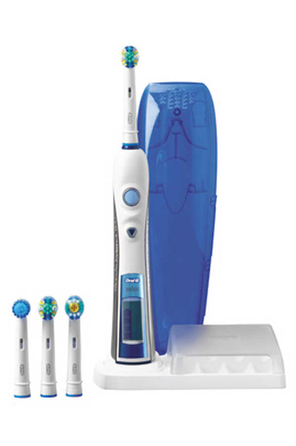 brosse dent electrique oral b triumph 4000 3132315 darty. Black Bedroom Furniture Sets. Home Design Ideas
