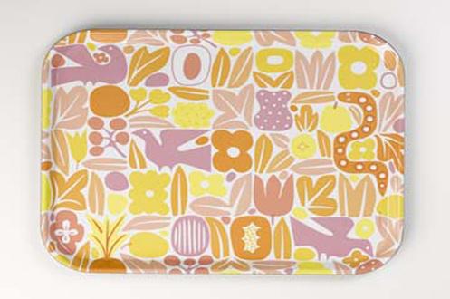 Résine thermodurcissable Motif formes de couleurs rose jaune et orange Designé par Alexander Girard Très résistant et de grande taille
