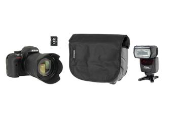 Reflex Nikon D3300+18-105VR + HOUSSE + 8 GO + SB 700 Nikon