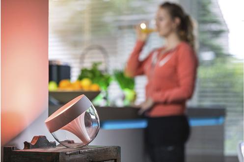connectées Philips IRIS CLEAR HUE STARTER KIT + LIGHTSTRIP HUE OFFERT