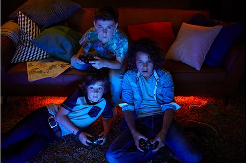 ampoules connect es philips hue kit de d marrage 3. Black Bedroom Furniture Sets. Home Design Ideas